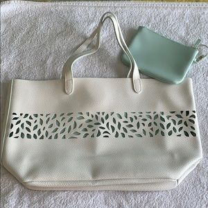 Ultra Tote with Attached Zipper Pouch